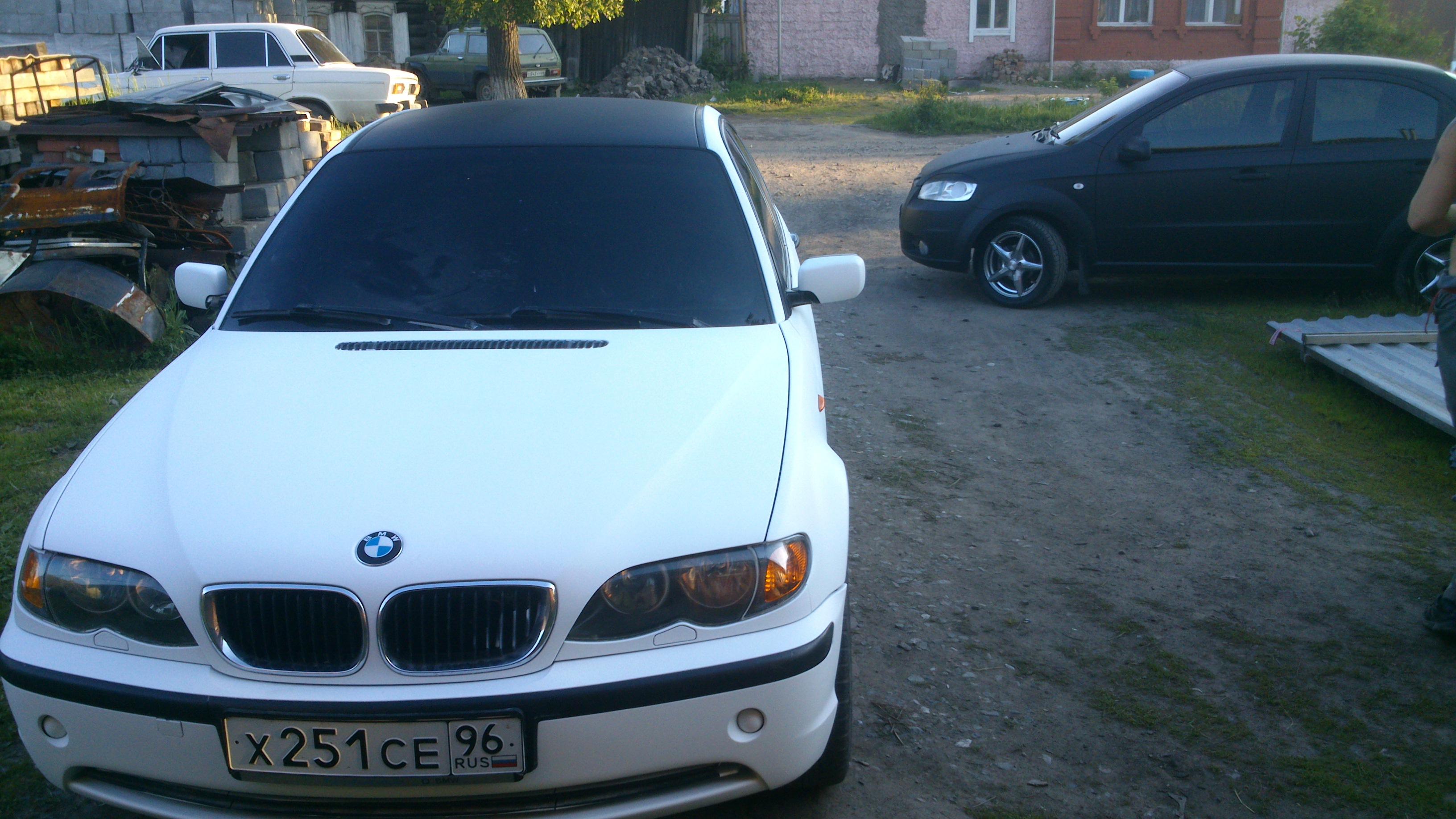Белый матовый plasti dip на автомобиле