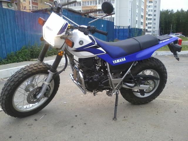Мотоцикл Yamaha  перед применением Plasti Dip White