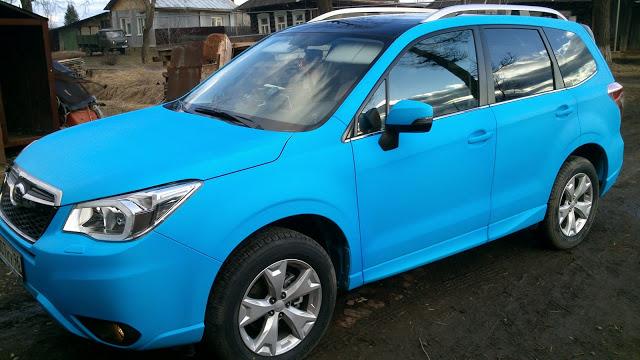 Яркий синий PLASTI DIP на автомобиле